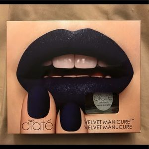 Ciatè Velvet Manicure (plum) 3am Girl set